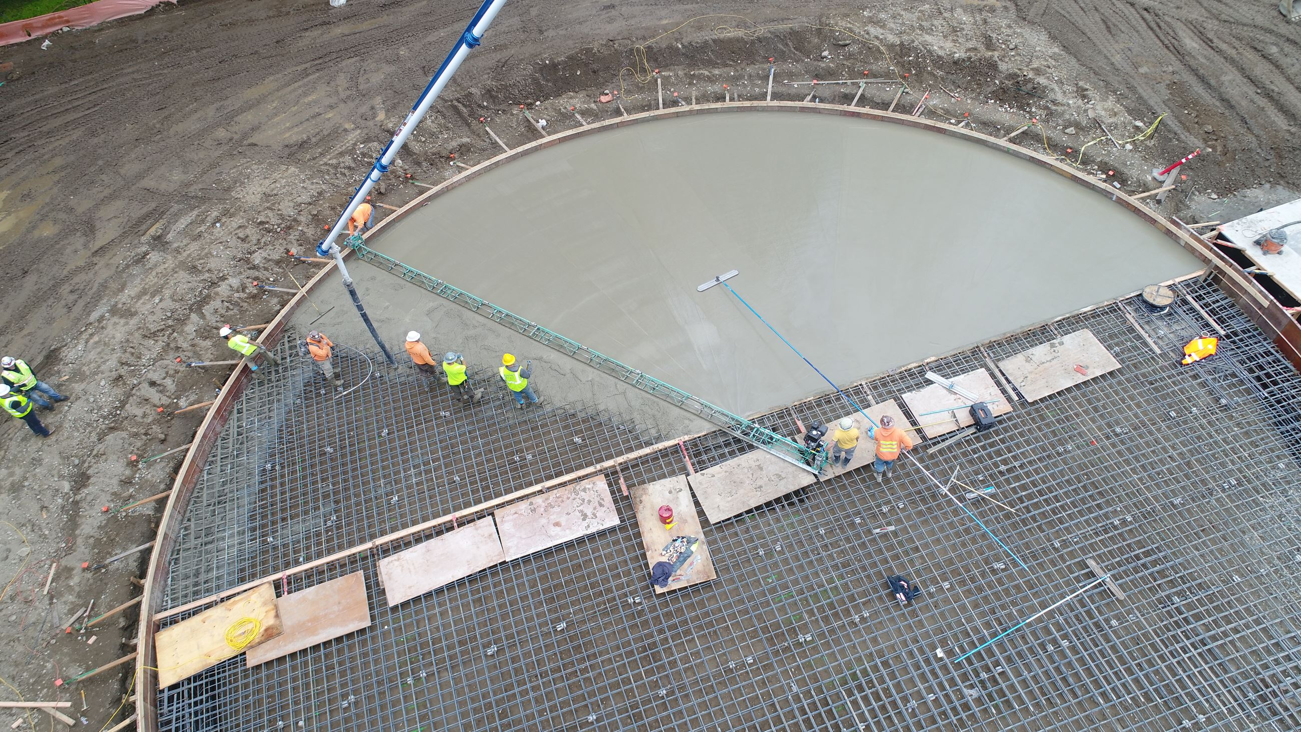 concrete tank 2 pour close